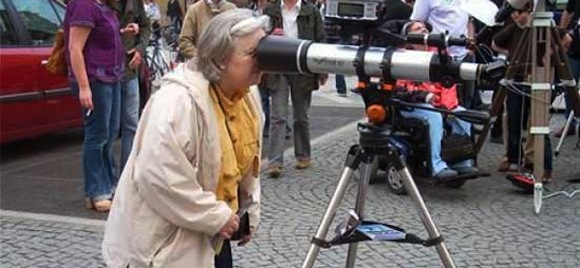 http://fullofgoodideas.com/wp-content/uploads/2011/11/lolcaption-funny-fail-pictures-telescope-wrong-way.jpg